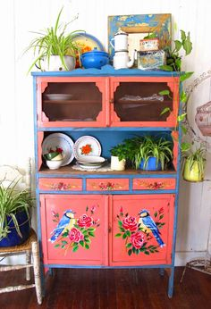 Beautiful hand painted dresser. I desperately want this, does anyone know if you can get transfers to go on furniture like this? Seeing as I am NEVER going to be able to hand paint like this!