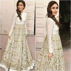 Dazzling diva Kareena Kapoor Khan in Rohit Bal. Loving all this love from Bollywood. #kareenakapoor #rohitbal #fashion #couture #bridal #ootd #festiveseason #glamour #instadaily #instafashion #diva #whattowear #actress #bollywood #highprofile #royalty
