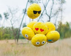 7 Handmade Emoji Balloons, various designs, 18 Yellow Foil - Party Decoration…