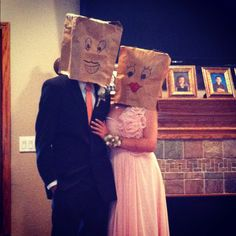 Fun prom picture idea :) @Beka Lang What do you think about this for a group picture?