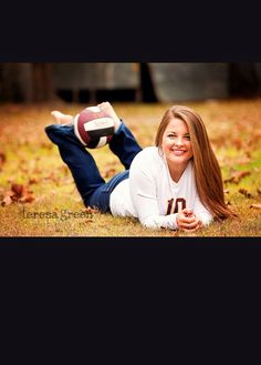 Volleyball senior picture ideas for girls. - Senior Shirts - Ideas of Senior Shirts - Volleyball senior picture ideas for girls. Sport Volleyball, Volleyball Senior Pictures, Soccer Pictures, Girl Senior Pictures, Senior Girl Poses, Team Pictures, Senior Girls, Volleyball Ideas, Sports
