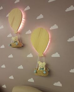 Ballon an cloud baby room