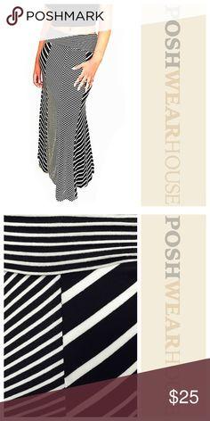 "Black & White Chevron & Striped Full Maxi Skirt 47.5"" L • 13"" W • 15.5""Hips • Great stretch! Skirts Maxi"