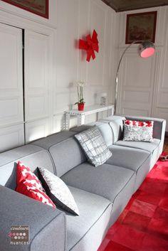 Rénovation et décoration d'un appartement au Légué... Février 2016, décoration épurée, décoration design, décoration grise, applique rouge, applique Big Bang,console meccano