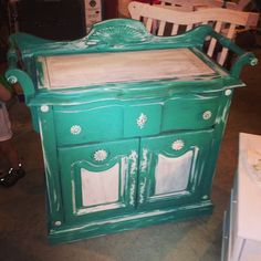 Annie Sloan chalk paint. Repainted furniture DIY