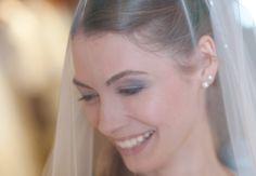 Einer strahlenden Braut sollte man niemals das geliebte Kleid ausreden - das gibt nur Tränen!