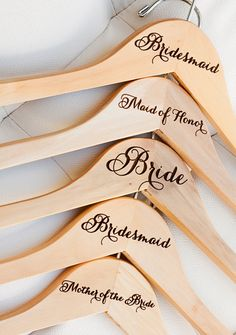 Love these customized hangers for every member of the bridal party!