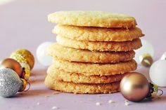 Shortbread cookies are a rather dignified affair, often paired with tea and leaning towards savory with their light sweetness and flavors like lemon and rosemary. These cookies are quite humble, however, in both their ingredient list and their preparation. This rich cookie — which sometimes takes on the crispy, snappy quality of a cracker — doesn't require a stand mixer, rolling pin, or cookie cutter, and can be stashed in the freezer for an impromptu holiday cookie plate or an equally i...