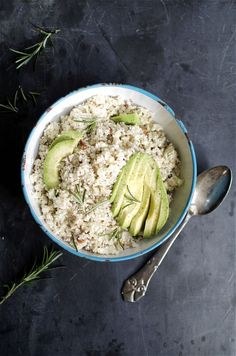 Super simple and very delicious salad of cauliflower rice and roasted almonds.