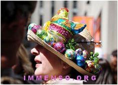 Arte sulle uova e con le uova per creare gli incredibili cappelli che sfileranno sulla 5th Avenue a NY durante la parata Easter Bonnet