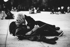 French Kiss Series By Abelardo Ojeda. One of five artistic point of view about the French kiss from international photographers. #SaintValentine #Books #Art #Photography #Street #Lovers #Couples