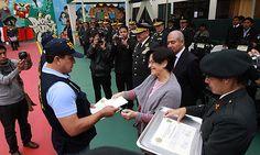 Alcaldesa de Lima participó en noveno aniversario del Escuadrón Verde de la PNP