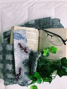 Fun Crafts, Diy And Crafts, Harry Potter Gifts, Any Book, Handmade Items, Handmade Gifts, Some Fun, Bookmarks, Marketing And Advertising