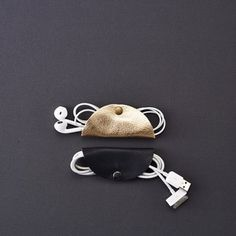 @thisisground's cord taco AKA the best gift for your coworkers! Tons more gift guides --> SELF.COM'