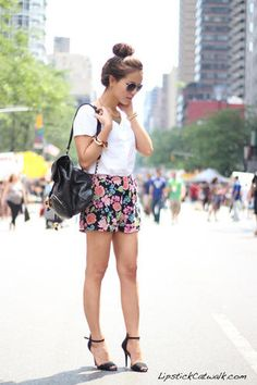 Outfit with Flower Print Shorts | LUUUX
