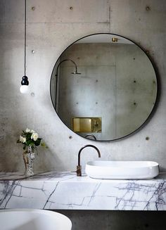 Torquay house is a gorgeous concrete house completed by Auhaus Architecture, an award winning design studio operating in Melbourne. Large Round Mirror, Round Mirrors, Circular Mirror, Big Mirrors, Square Mirrors, Bad Inspiration, Bathroom Inspiration, Next Bathroom, Bathroom Ideas