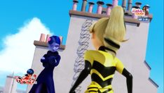 i can't believe she used the peacock miraculous and wasn't affected by it being damaged? Peacock Miraculous, Miraculous Ladybug, Bumble Bee Nails, Chloe Bourgeois, Instagram Story Viewers, Bug Art, Letting Go Of Him, Animated Cartoons, Queen Bees