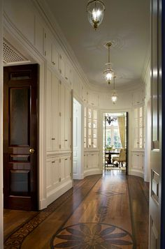 """""""If being disorganized were an olympic event, i could be disorganized for the U.S.""""  do you think a room like this could save me?  Cullman & Kravis: Country"""