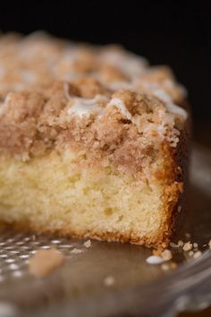 Topped with a sweet, buttery crumble, this easy overnight coffee cake is super moist and perfect for holidays and lazy weekends. Brunch Recipes, Cake Recipes, Breakfast Recipes, Breakfast Ideas, Dessert Recipes, Breakfast Muffins, Breakfast Club, Bread Recipes, Baking Recipes