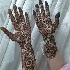 Modern Henna Designs, Rose Mehndi Designs, Latest Bridal Mehndi Designs, Mehndi Designs For Girls, Mehndi Design Images, Beautiful Mehndi Design, Dulhan Mehndi Designs, Simple Mehndi Designs, Henna Mehndi