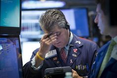 #Forex US stock market closes worst year since the financial crisis New York City, USA - The US stock #market closes the 2015 as being the worst year since the financial crisis. Both major US indexes, the Dow Jones and the S&P 500 finished the year in the red after trading for the most part of the year in a consolidation, losing some of the momentum we were...
