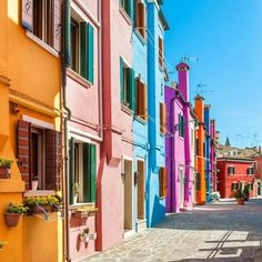 FWx:  The World's Most Colorful Cities