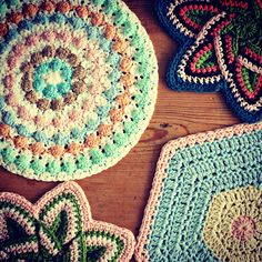 Top left - round puffy pot holder - gorgeous!