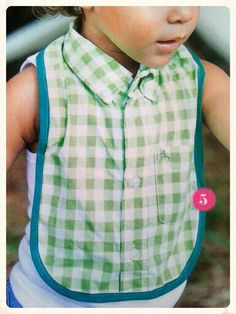 No link but the picture looks easy enough. Sewing Patterns For Kids, Sewing For Kids, Free Sewing, Sewing Tutorials, Sewing Projects, Baby Makes, Diy Recycle, Diy Crochet, Baby Bibs