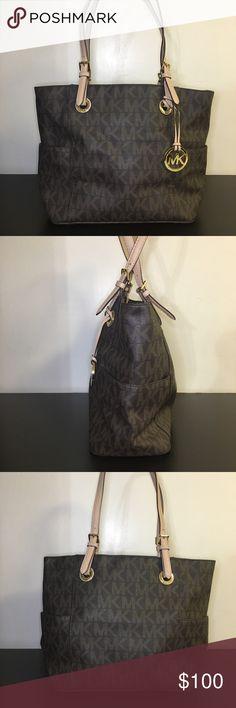 AUTHENTIC Michael Kors Jet Set Signature Tote Bag Make me an offer! Color   Brown ca654c35d0