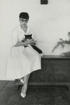 Edith Head and her cat