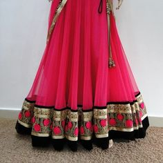 IT'S PG'LICIOUS — mydesiwishlist: Untitled on We Heart It. Pakistani Outfits, Indian Outfits, Pakistani Clothing, Indian Clothes, Indian Bridal Wear, Indian Wear, Ethnic Fashion, Asian Fashion, Ghaghra Choli