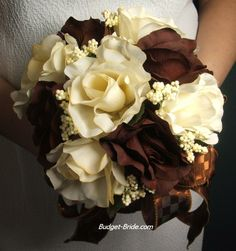 chocolate brown roses in the bouquet for a fall wedding