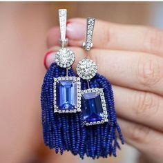 Regram @gemologue Sunday mood!  This @SilviaFurmanovich Tanzanite earrings can be worn with or without lapis lazuli beads creating playful or classic look ❤❤❤ @LizaUrla jewelryinfluencer gemologue silvia furmanovich #diamond