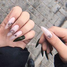 Trends in creative nail design in 2020 - Page 43 of 141 - Inspiration Diary Grunge Nails, Edgy Nails, Aycrlic Nails, Stylish Nails, Hair And Nails, Summer Acrylic Nails, Best Acrylic Nails, Creative Nail Designs, Creative Nails