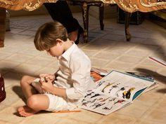 トランプ氏の横でめっちゃ眠そうにしてる息子のバロンくんが美少年すぎてこっちを大統領にしたい - Togetterまとめ