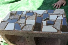 If you have cinder blocks laying around in your yard, put them to good use! Use broken up title, liquid nails and your cinder blocks. You can use them as planters when you're done. Backyard Projects, Outdoor Projects, Garden Projects, Outdoor Decor, Outdoor Living, Outdoor Benches, Diy Projects, Cinder Block Garden, Cinder Blocks