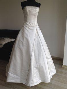 ¡Nuevo vestido publicado!  Essenzia Española – mod Maggie Sottero ¡por sólo $9000! ¡Ahorra un 56%!   http://www.weddalia.com/mx/tienda-vender-vestido-de-novia/essenzia-espanola-mod/ #VestidosDeNovia vía www.weddalia.com/mx