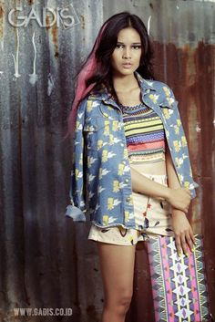 Mix prints on your total look is totally fun!