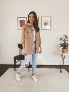 Casual Outfits For Moms, Cute Comfy Outfits, Basic Outfits, Fall Outfits, White Converse Outfits, Mom Jeans Outfit, Everyday Outfits, Types Of Fashion Styles, Fashion Outfits