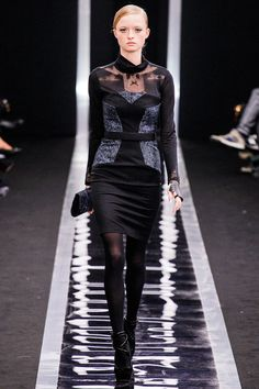 Maxime Simoëns Fall 2013 Ready-to-Wear Collection Slideshow on Style.com