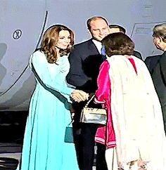 The Duke and Duchess of Cambridge arrive at Kur Khan airbase ahead of their royal tour of Pakistan on October 2019 in Rawalpindi, Pakistan Duke And Duchess, Duchess Of Cambridge, Angel Eyes, Janet Jackson, Moving Pictures, Princess Kate, Johnny Depp, Prince William, Royals