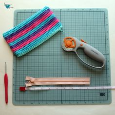 Crochet Zipper Pouch Loops & Love Crochet – Purses And Handbags Diy Crochet Shell Stitch, Single Crochet Stitch, Crochet Stitches, Crochet Shawl, Crochet Handbags, Crochet Purses, Bag Patterns To Sew, Tote Pattern, Sewing