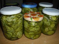 """Csak úgy, mint otthon"": Vegetás uborka Pickles, Cucumber, Mason Jars, Food And Drink, Mason Jar, Pickle, Zucchini, Pickling, Glass Jars"