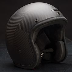 - Description - Sizing Chart Full Carbon fiber shell with a matte finish Hed Armor lining with cushion padding Merlin anti-bacterial fabric and natural calf leather trim and lining Gunmetal plate Classic Motorcycle Helmet, Motorcycle Outfit, Motorcycle Helmets, Bicycle Helmet, Riding Gear, Riding Helmets, Biker Accessories, Custom Bikes, Headgear