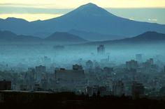 Stuart Franklin Stuart Franklin, Time Magazine, Photorealism, Magnum Photos, Mexico City, Mount Rainier, Britain, Mountains, Places