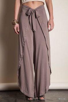 how to make thai fisherman pants pattern Boho Fashion, Fashion Outfits, Womens Fashion, Fashion Design, Sewing Clothes, Diy Clothes, Sewing Pants, Thai Fisherman Pants, Wrap Pants