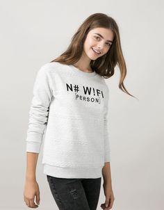 BSK padded sweatshirt with text and zipper detail - Sweatshirts - Bershka Turkey