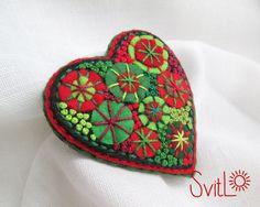 Happy heart. Green Red Felt brooch. Christmas Gift. by SvitLoShop