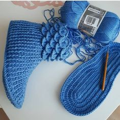 on March 18 can find Baby blankets and more on our website.on March 18 2020 Crochet Designs, Baby Boy Outfits, Fingerless Gloves, Arm Warmers, Quotations, Needlework, Sewing, Instagram, Baby Blankets