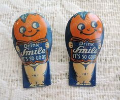 "Pair Advertising Tin ""Smile"" Drink Clickers"
